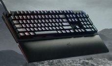 """""""ريزر"""" تطلق لوحة مفاتيح لألعاب التصويب والسباقات"""