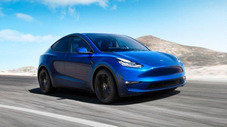 """شركة """"تسلا"""" رفعت سعر طراز من سياراتها في الصين مع ارتفاع المبيعات في آب"""