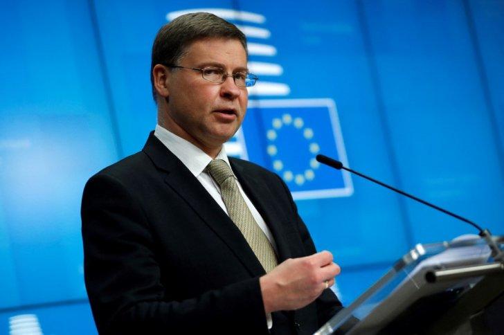 نائب رئيس المفوضية الأوروبية: الاستثمارات الخضراء ستشكل جزءا من مراجعة قواعد ميزانية الاتحاد