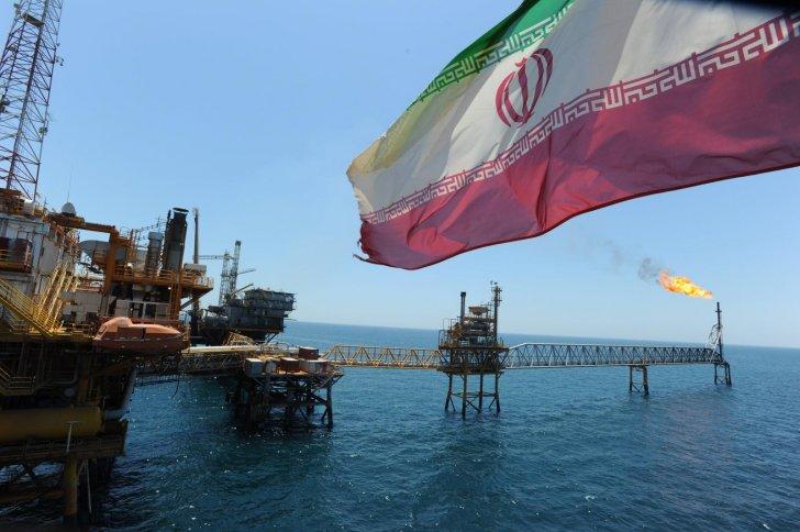 وزارة النفط: انتعاش مبيعات الوقود والبتروكيماويات الإيرانية