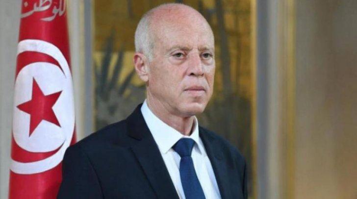 الرئيس التونسي: سأطرح مبادرة صلح لاسترجاع أموال نهبها بعض رجال الأعمال وأدعو البنوك لتخفيض نسب الفائدة