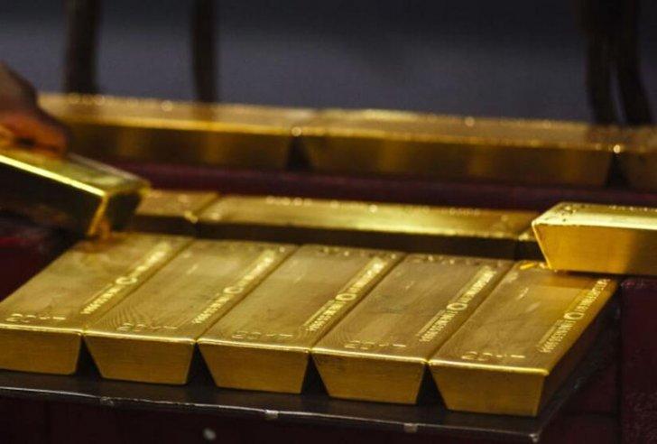 الذهب يتراجع في أولى جلسات الأسبوع مع ترقب بيانات الوظائف الأميركية