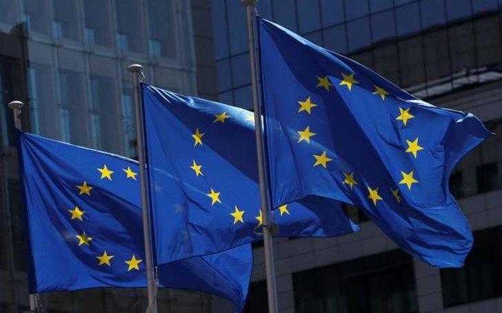 دول الاتحاد الأوروبي وافقت على خطط 12 دولة عضو للتعافي الاقتصادي