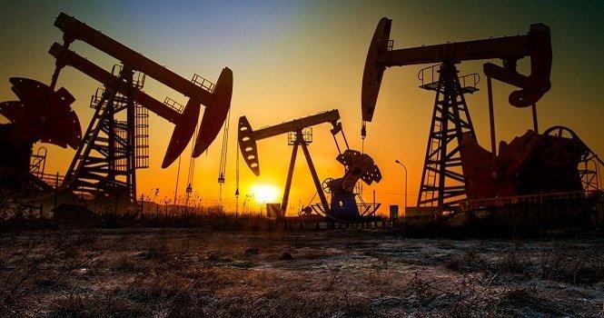 النفط يسجل أكبر خسارة أسبوعية في 9 شهور مع انتشار دلتا