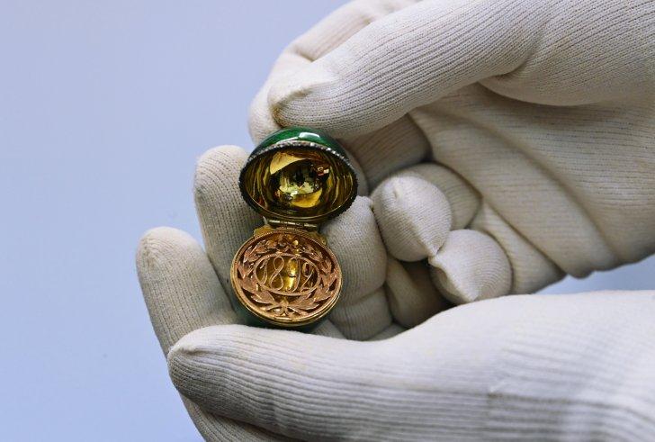 بيع بيضة ذهبية من مجموعة إمبراطورة روسية بسعر كبير