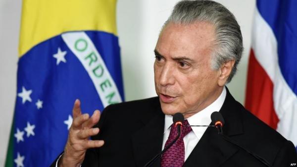 برلمانيون برازيليون يطلبون التحقيق مع بولسونارو بشأن صفقة لقاحات