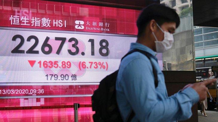 مؤشر بورصة هونغ كونغ يهبط 4% مع استمرار تراجع أسهم شركات التكنولوجيا الصينية