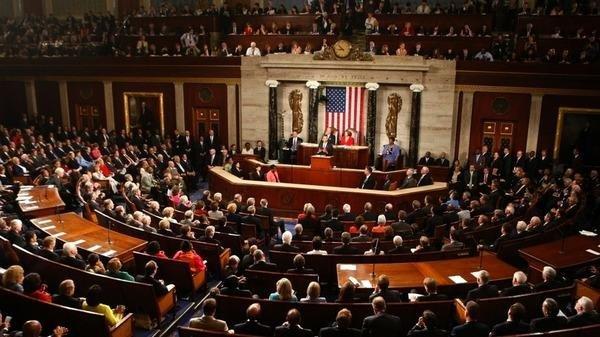 مشرعون أميركيون يعلنون طرح مشروع قانون للبنية التحتية بقيمة تريليون دولار