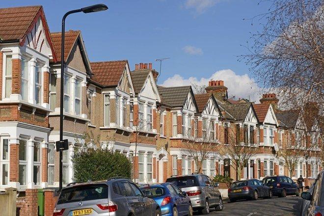 هاليفاكس: أسعار المنازل البريطانية قفزت 1.7% في أيلول