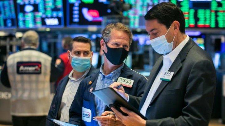 الأسهم الأميركية تغلق عند مستوى قياسي مرتفع بدعم مكاسب أسهم التكنولوجيا