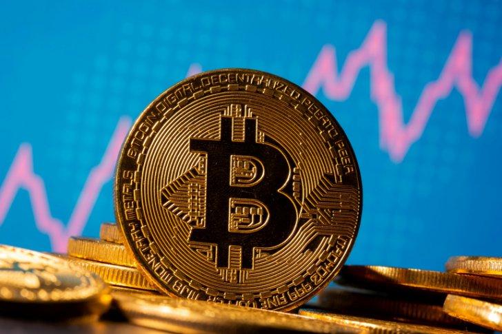 """العملة المشفرة """"بتكوين"""" ارتفعت بنسبة 7.1 في المئة"""