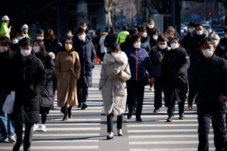 كوريا الجنوبية تشدد قيود كوفيد-19 قبيل ذروة موسم العطلات