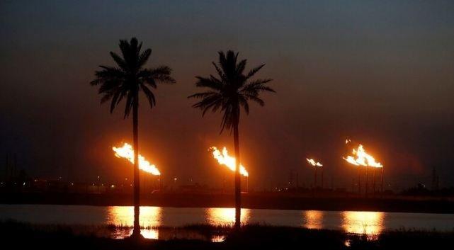 العراق يحقق أكثر من 6.5 مليار دولار من بيع النفط خلال الشهر الماضي
