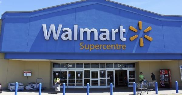 """أرباح أكثر من المتوقع لـ """"وول مارت"""" بفضل نمو المبيعات الإلكترونية"""