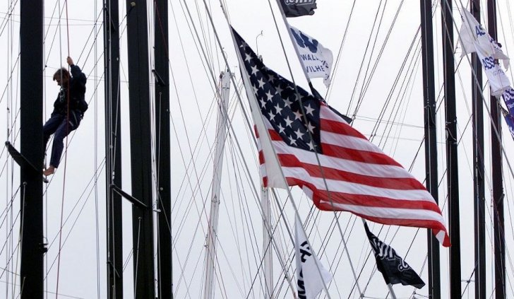 تراجع نشاط الخدمات في الولايات المتحدة مع هبوط الطلبيات الجديدة
