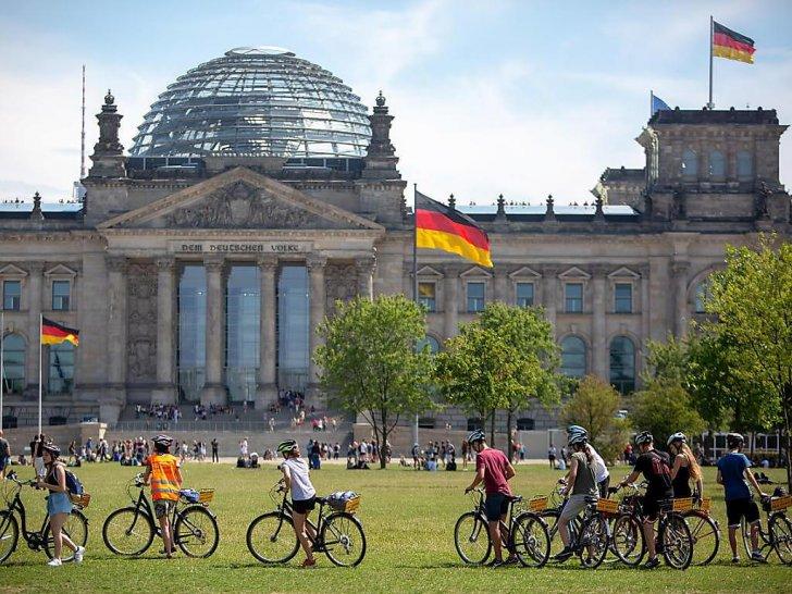 معهد أبحاث: تراجع معنويات المستثمرين الألمان ونقص المواد يكبح التعافي